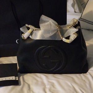 Gucci black leather chain handbag